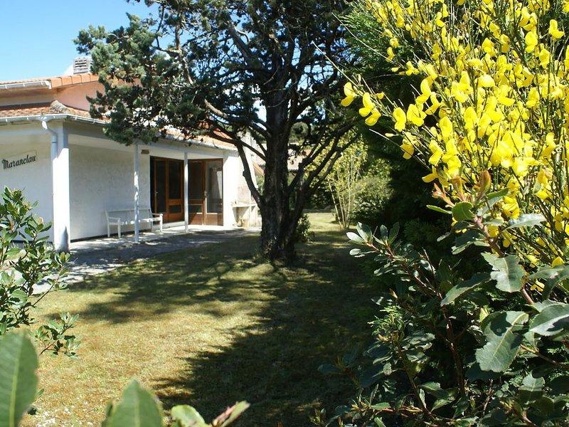 Maison de vacances pour 4 à 8 personnes à 900 mètre de l'océan, holiday rental in Vendays Montalivet