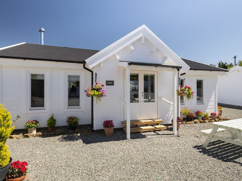 Duckpool Lodge - Fabulous Family-Friendly Log Cabin Close To Sandy Beaches – semesterbostad i Kilkhampton