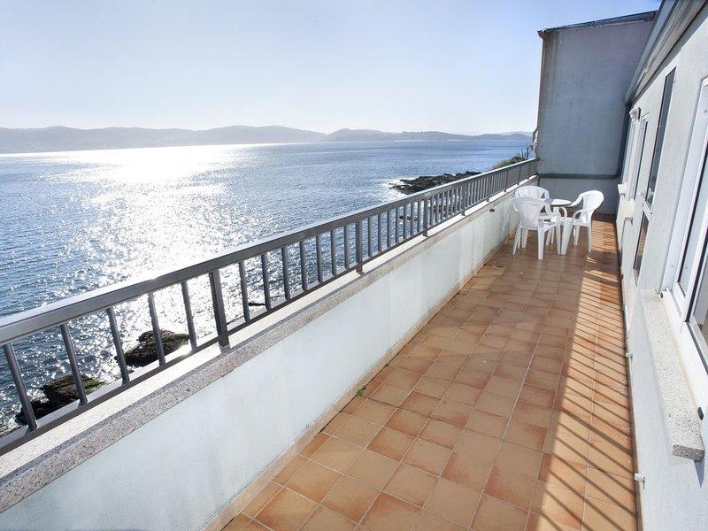 Apartamento - 2 Dormitorios con Vistas al mar - 106969, holiday rental in Portonovo