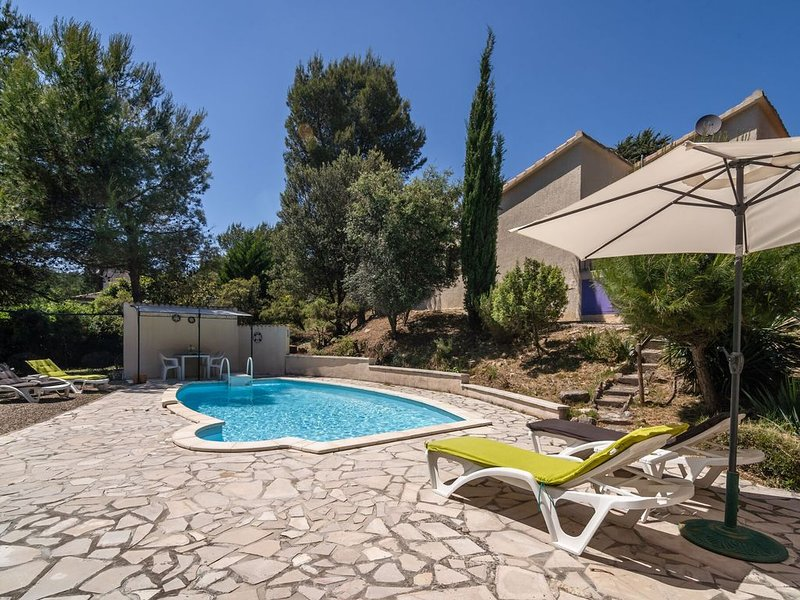 Luring Villa in Pouzols-Minervois with Pool, holiday rental in Paraza
