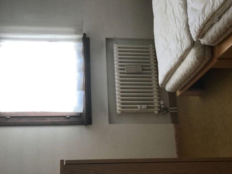 appartamento tranqulli in bella casa engandinese, Ferienwohnung in Bever