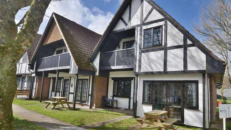 25 Tudor Court, Tolroy Manor, holiday rental in Gwinear