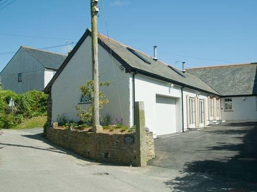 No 1 The Hinges, CRANTOCK, holiday rental in Crantock