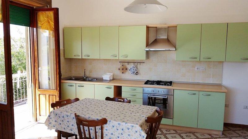 Pratico e accogliente appartamento a Tortolì, Ferienwohnung in Girasole