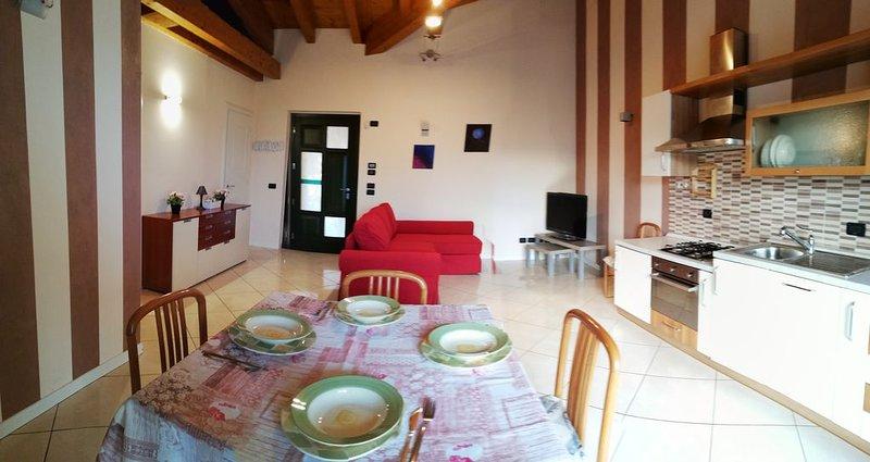 Vacanze Lago di Garda Sirmione Peschiera e Desenzano del Garda, holiday rental in Cavriana