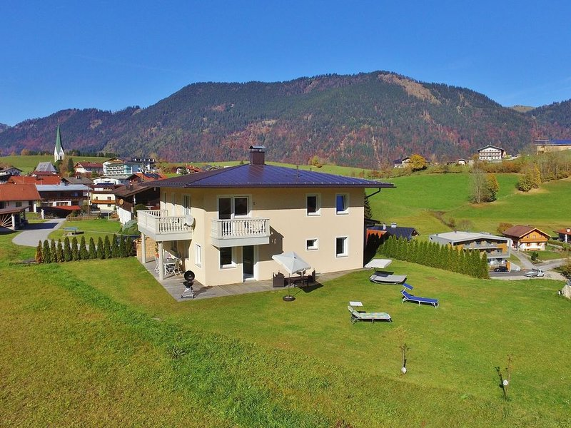 Spacious Villa with Garden in Hinterthiersee, holiday rental in Thiersee