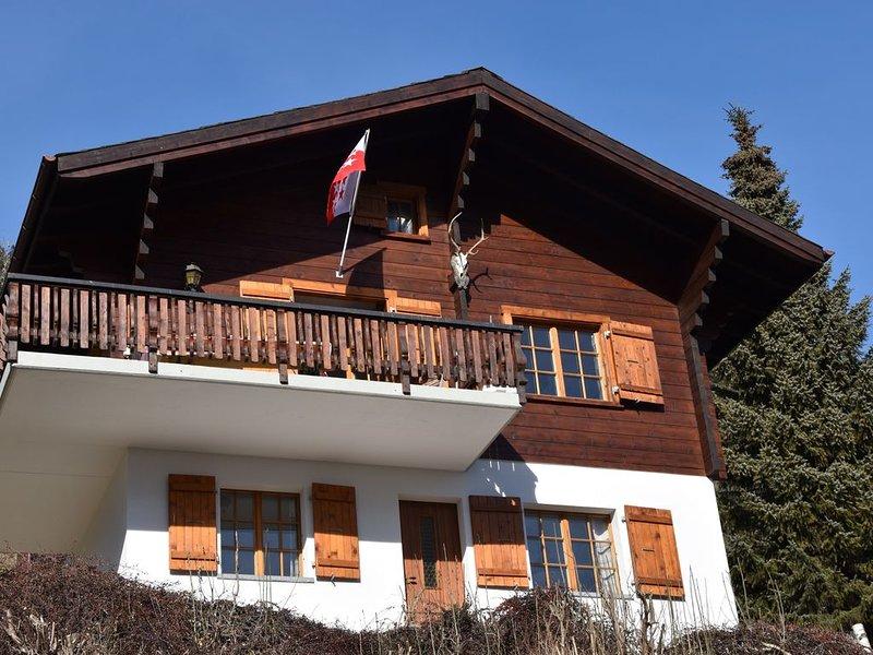Vrijstaand familie chalet met fantastisch uitzicht en van alle gemakken voorzien, holiday rental in Blatten bei Naters