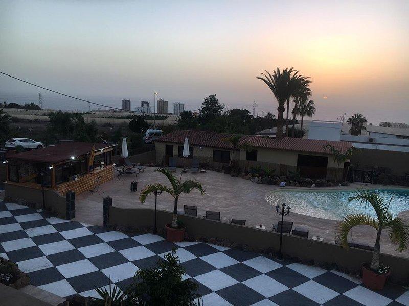 Paraiso villas  , il tuo residence a Tenerife immerso in un bellissimo giardino, holiday rental in Barrio Los Menores