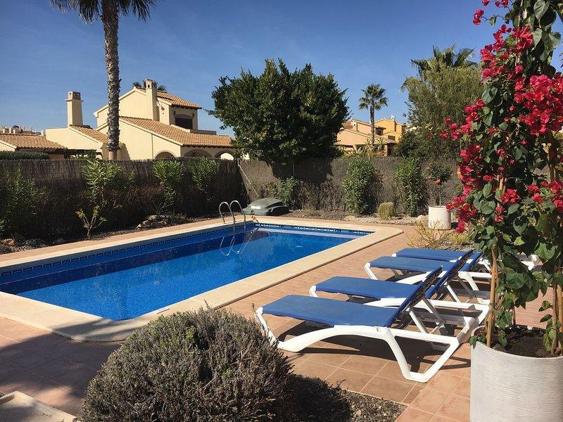 Modern refurbished private villa on award winning Hacienda Del Alamo Golf Resort, casa vacanza a Cuevas de Reyllo