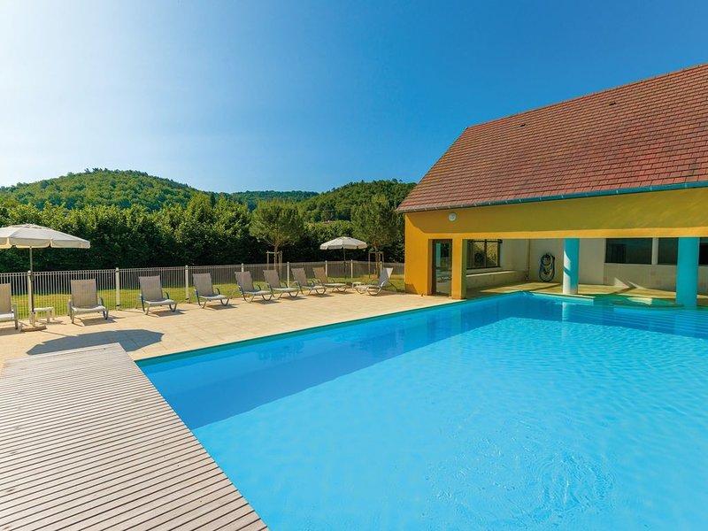 Maison Lumineuse avec Terrasse Privée | Accès Piscine!, vacation rental in Aubas