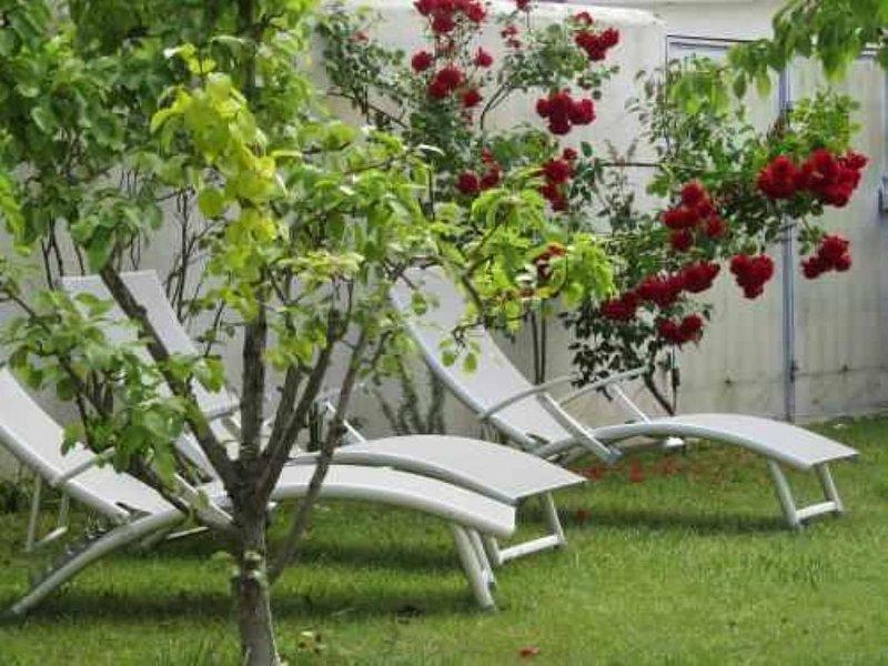 LA MAISON DE LA PLACE, holiday rental in La Flotte