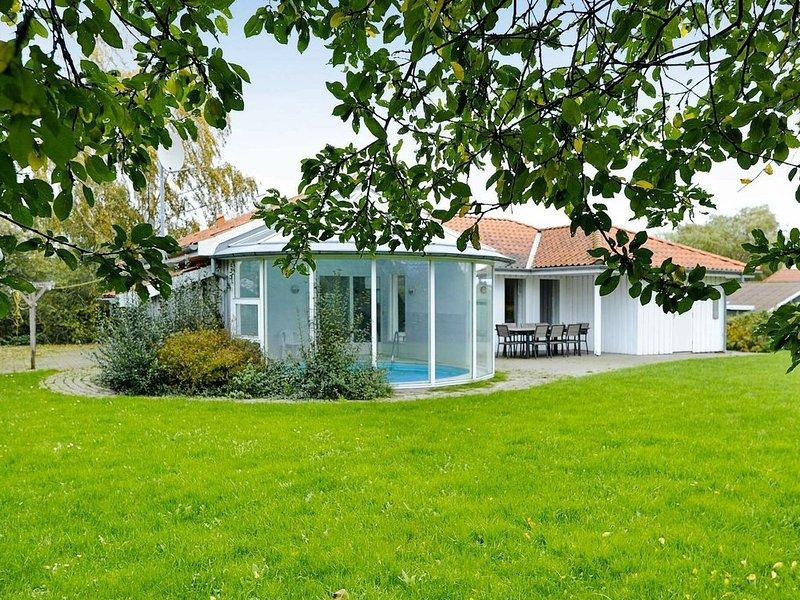 Voluminous Holiday Home in Juelsminde with Sauna, casa vacanza a Horsens