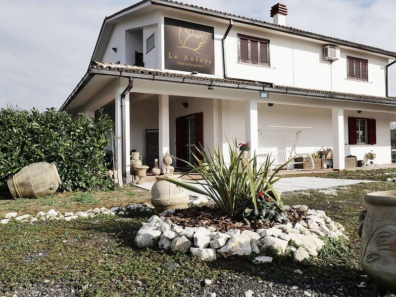 Bed and Breakfast Le Anfore, vacation rental in Piedimonte San Germano