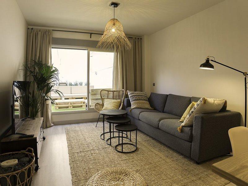 Casa MODERNA con Terraza Chill Out - Estadio SANTIAGO BERNABÉU, holiday rental in Tres Cantos