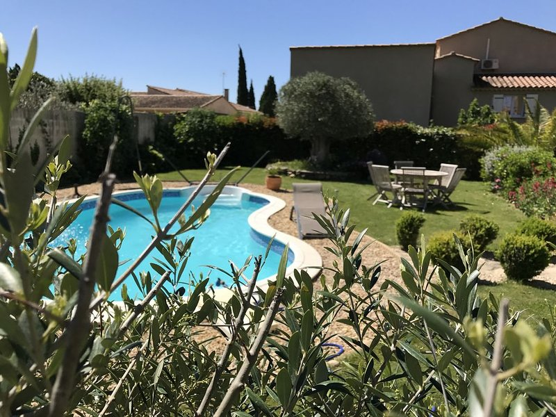 En Provence, à proximité d'AVIGNON, location d'une villa, holiday rental in Saint Pierre de Mezoargues