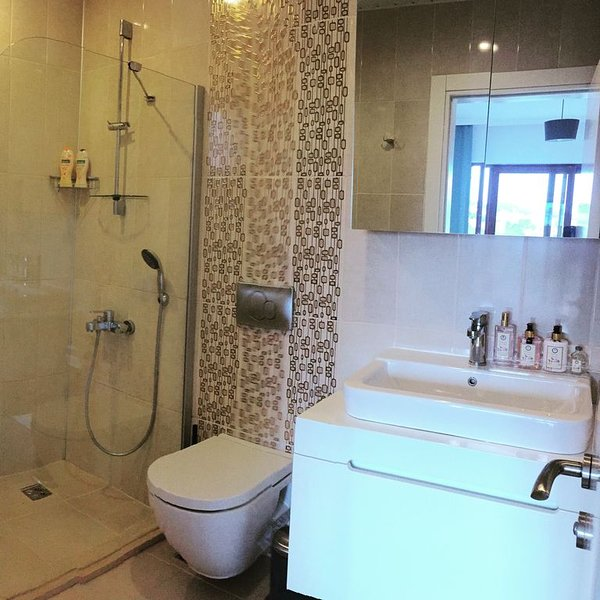 Amazing Apartment with seaview in downtown......, holiday rental in Bayindir
