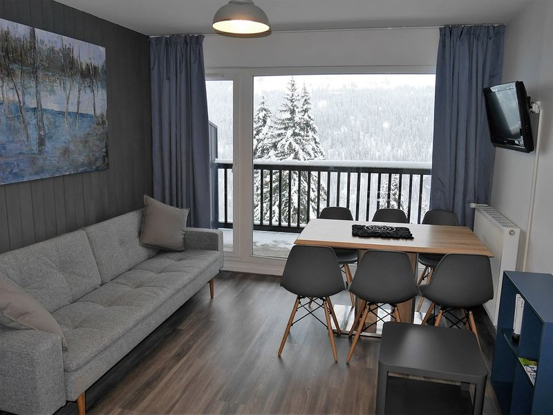Newly renovated apartment in Flaine Foret (6 pers), casa vacanza a Araches-la-Frasse