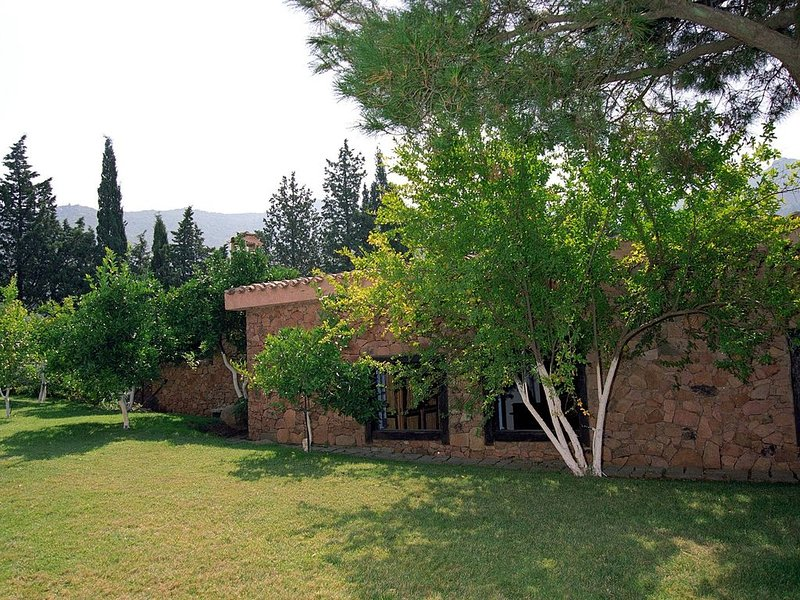 Exclusive Country Cottage  In Sardinia Nature Park Near Cagliari Beaches(20 km), holiday rental in Villaggio delle Mimose