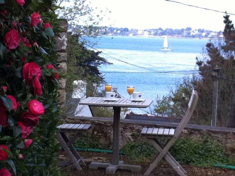 Maison récente avec vue mer à l'ile aux Moines. Maison avec jardin, alquiler de vacaciones en Larmor-Baden