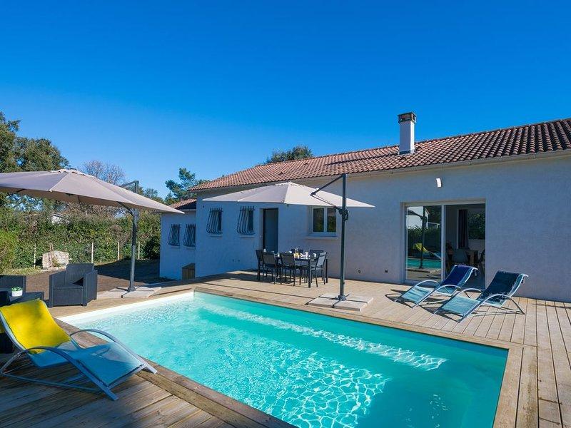 Maison individuelle 3 chambres avec piscine située entre mer et montagne, vacation rental in Isolaccio-di-Fiumorbo