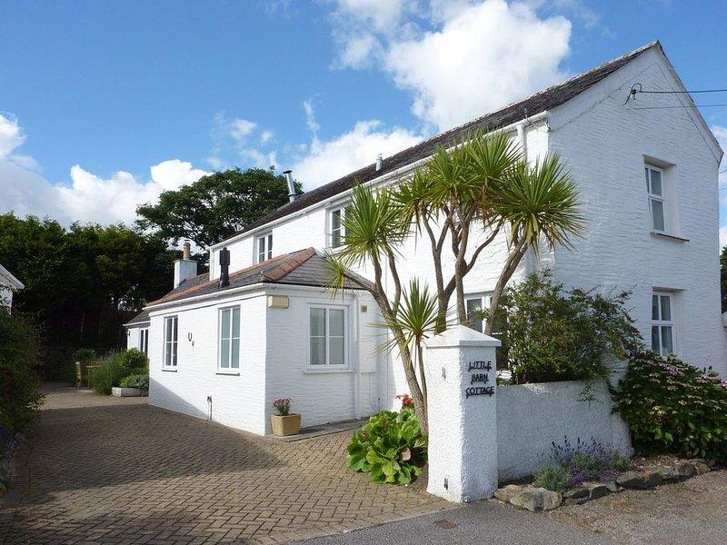 Little Barn Cottage, PORTLOE, location de vacances à Treworga