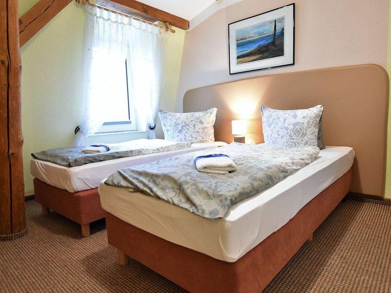 Budget Apartment in Grundshagen with garden seating, holiday rental in Hohen Schonberg