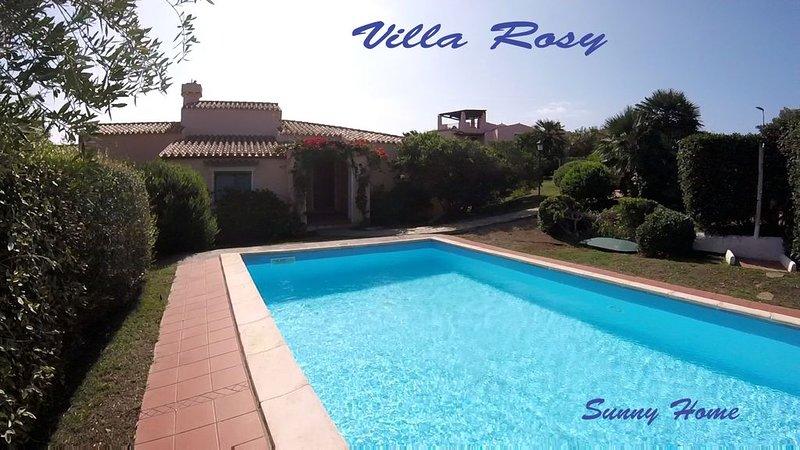 Villetta su due livelli, con giardino e piscina privati ad uso esclusivo, Ferienwohnung in La Pedraia
