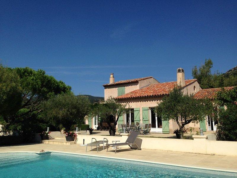 Villa de charme à Grimaud (Var) - grand calme,  magnifique environnement, holiday rental in Grimaud
