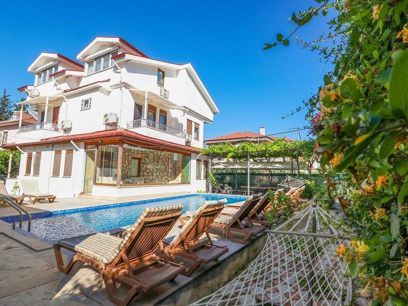 Private Villa en suite rooms Big Pool+Jacuzzi, Sec. Alarm, heated pool, free bik, holiday rental in Dalyan