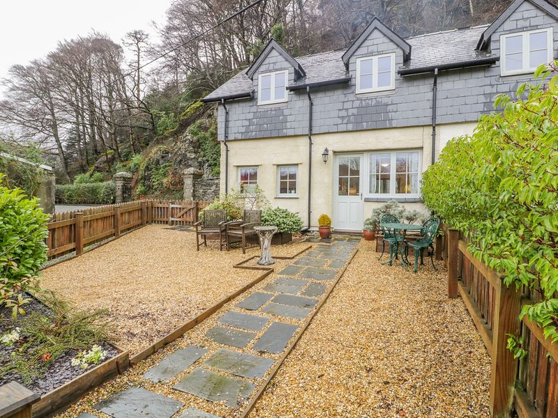 1 Rectory Cottage, MAENTWROG, vacation rental in Gellilydan