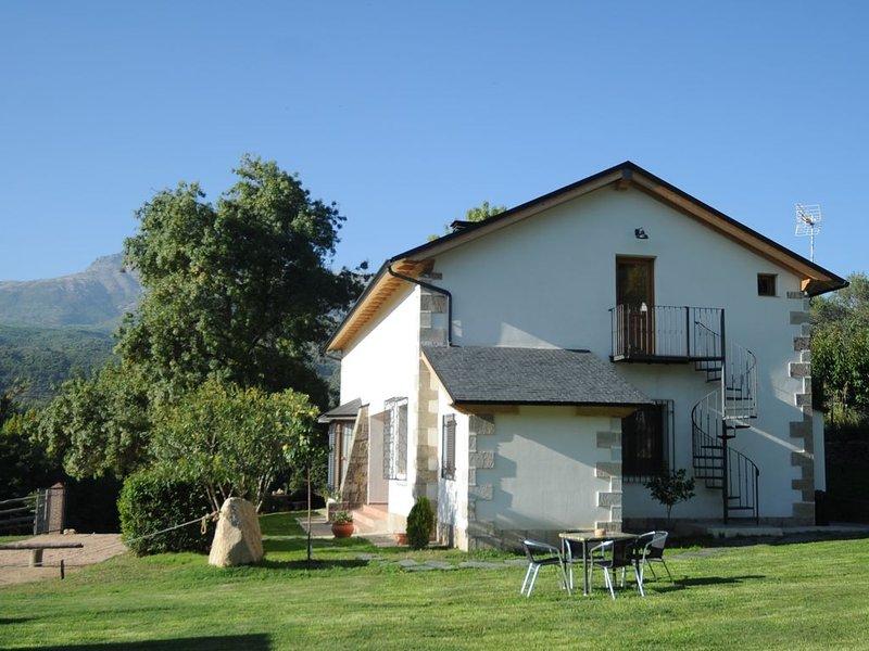 Casa Rural Finca El Aguilojo en Mombeltrán (Valle del Tiétar, Ávila), location de vacances à Navalcan