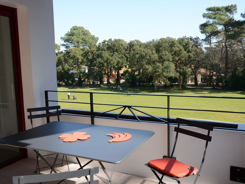 APPARTEMENT T3 STANDING SUR GOLF, holiday rental in Soorts-Hossegor