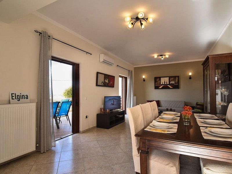 Elgina ... fuul house 120sq, vacation rental in Kissamos