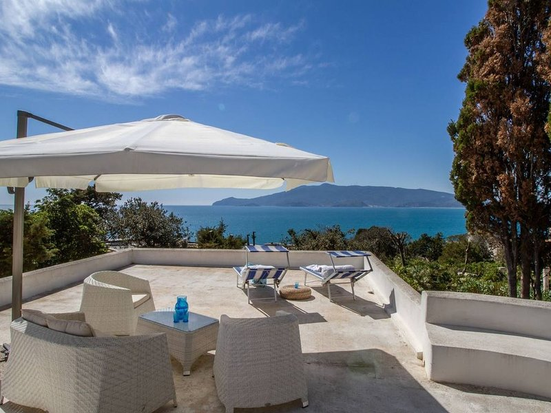 la maremma - Ansedonia Cottage with sea view, vacation rental in Ansedonia
