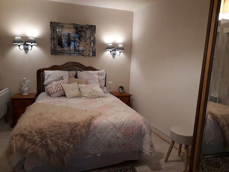 Appartement avec terrasse et jardin .4 personnes., holiday rental in Trouville-sur-Mer