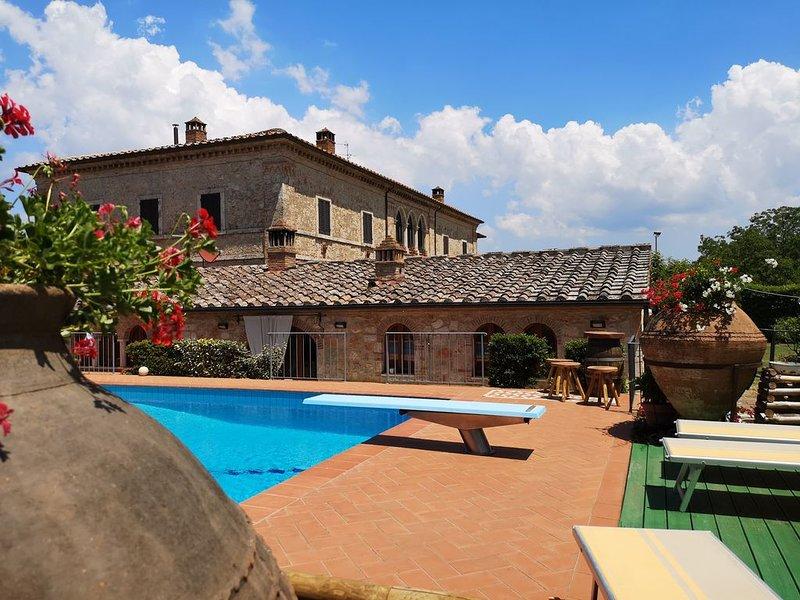 Villa  e piscina indipendenti in Toscana a Monteriggioni , tra Siena e Firenze., location de vacances à Staggia