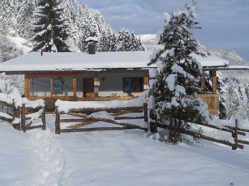 Fantastic Chalet in Niederndorf bei Kufstein with Terrace, holiday rental in Aschau Im Chiemgau