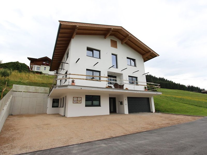 Modern Apartment in Hopfgarten im Brixental with Parking, holiday rental in Kelchsau