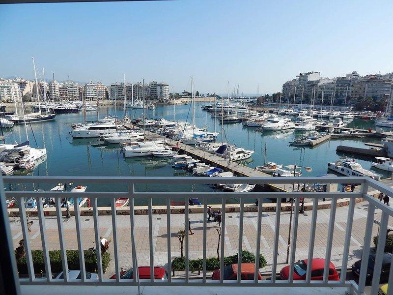 ATHENS RIVIERA SEE VIEW  APARTMENT, location de vacances à Piraeus
