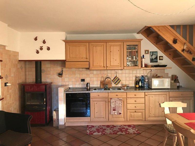 Appartamento centro paese, vakantiewoning in Tesero