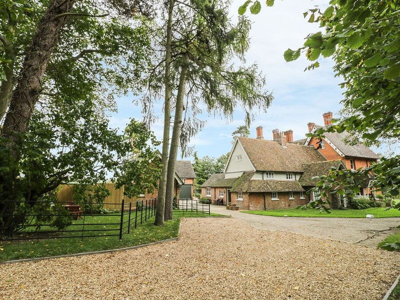 The Dower House, SHARNBROOK, holiday rental in Pavenham
