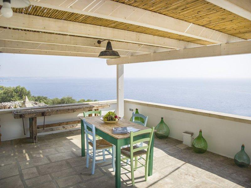 Suite Casa De Vita - (amazing view on the coast), holiday rental in Marina Serra