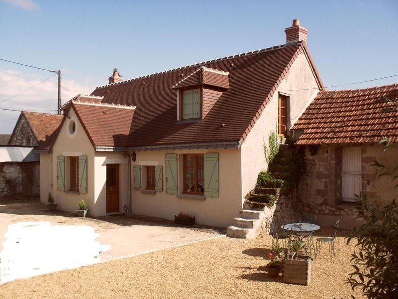 Spacious Farmhouse in peaceful rural location., holiday rental in Continvoir