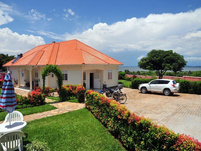 Victoria lake view Guest House & Safaris, holiday rental in Bwerenga
