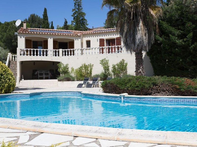 Luxury Villa in Beaufort with Private Swimming Pool, location de vacances à Beaufort