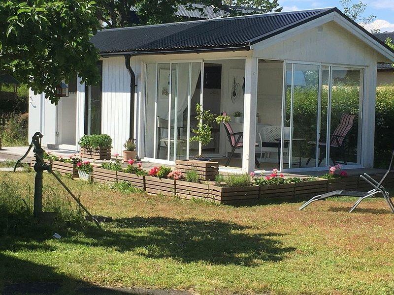 Friggebod - petite maisonette   au Öland nord - à louer - 24 m², aluguéis de temporada em Monsteras