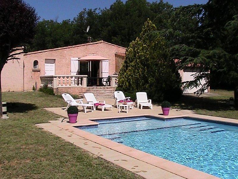 Maison provençale au coeur de la nature, holiday rental in La Verdiere