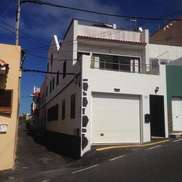 Best value ground floor town center appt, location de vacances à El Amparo