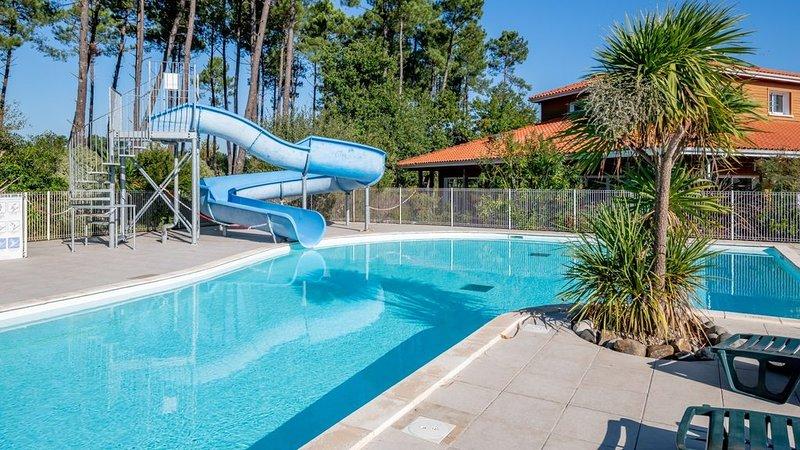 Seulement à 400m du lac de Biscarrosse | piscines chaufées, holiday rental in Parentis-en-Born