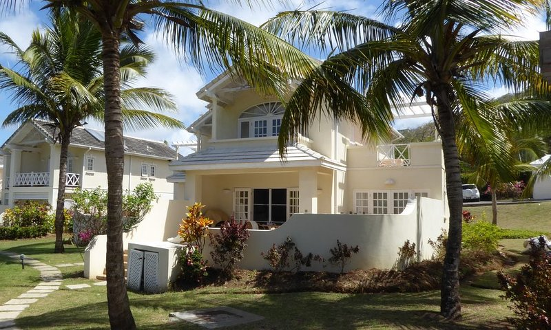 Luxury Golf Villa, plunge pool, 5 mins walk from beach/facilities – semesterbostad i Gros Islet